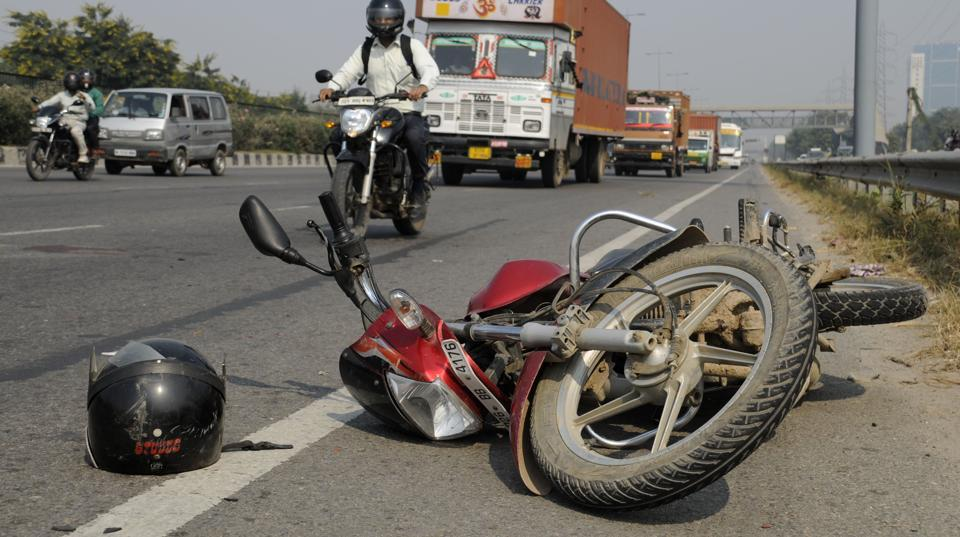 accident-hindustan-november-expressway-gurgaon-tuesday-november_136aea2a-3720-11e7-bd82-6d419ba359be