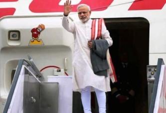 TIME बचाना प्रधानमंत्री मोदी से सीखना चाहिये.समय बचाने के लिए फ्लाइट में ही करते हैं नींद पूरी