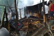 बिहार के मुज़फ़्फ़रपुर के पारू के गेयासपुर गाव मे भंयकर आगज़नी से 6 घर जल कर रख