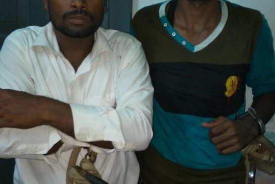 बिहार के मुजफ्फरपुर के सराया में मोटरसाइकिल चेकिंग के दौरान दो अपराधी गिरफ्तार