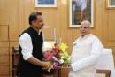 राज्यपाल श्री लालजी टंडन और सांसद श्री राजीव प्रताप रूडी जी पुष्प-गुच्छ से अभिवादन करते हुए दिखे.