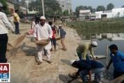 मुजफ्फरपुर: यहाँ सियासत नहीं भाईचारा चलता है- घाट की सफाई में जुटे मुस्लिम